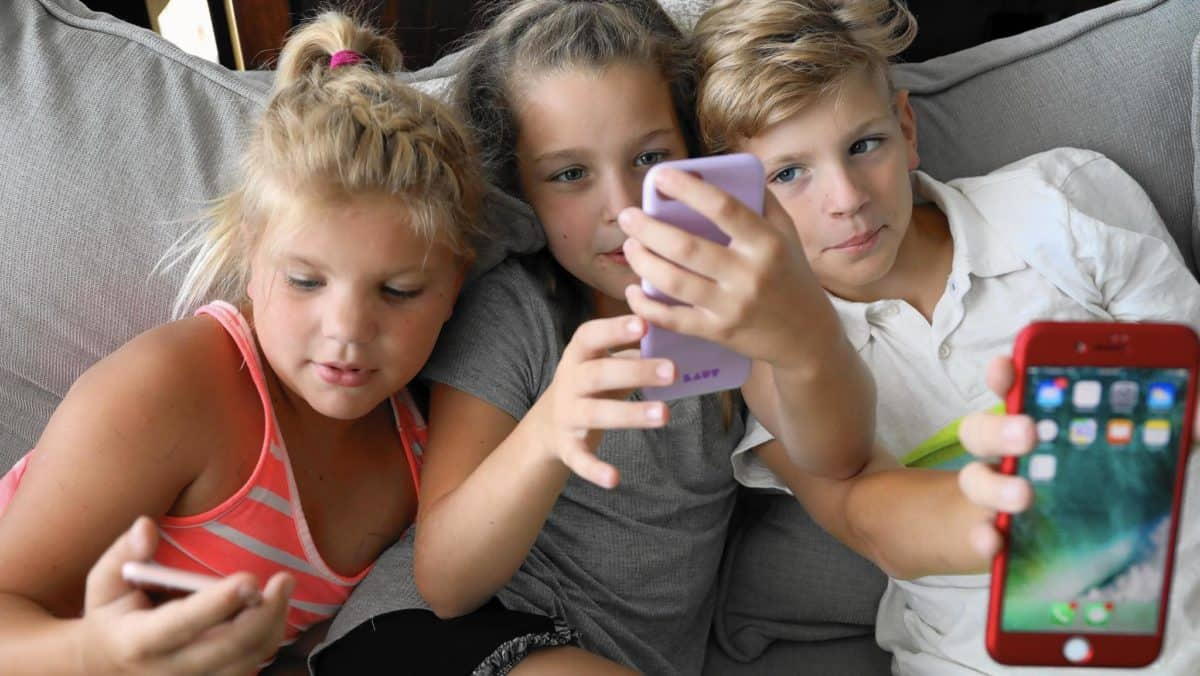 Should We Limit Screen Time For Children At Home?