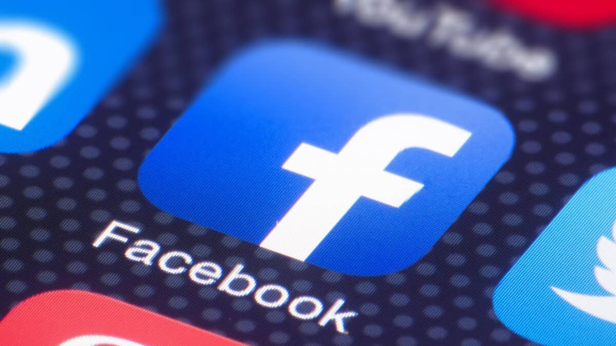 How to Disable / Enable the Facebook App Manager