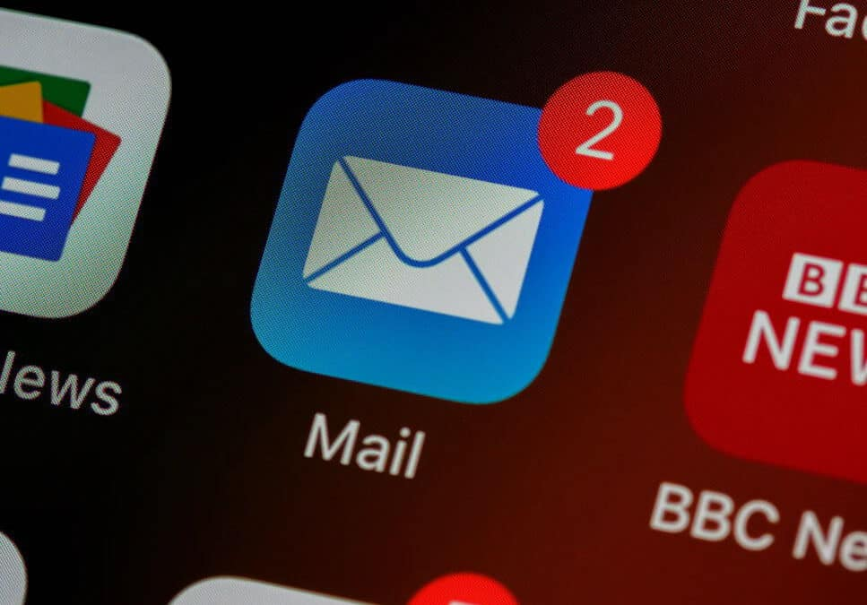 7 Tips for Managing Email More Efficiently in your iPhone
